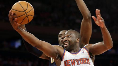 Anthony Scores 28, Knicks Beat Pacers to Stay Alive