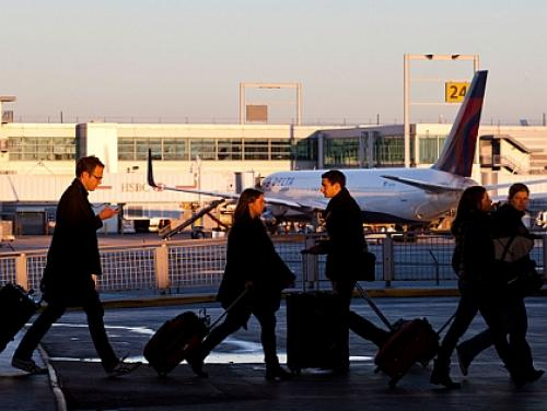 Exclusive: CBS 2′s Explosive Report On JFK Baggage Thefts Leads To Demands On FAA