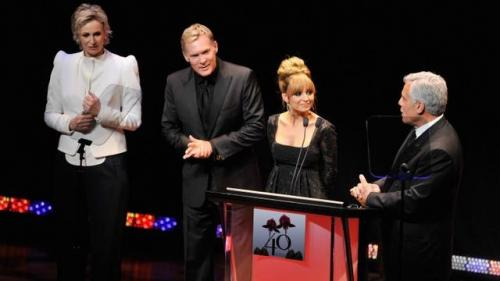 2012 FiFi Awards Lures Celebrities But Winner Justin Bieber Is a No-Show