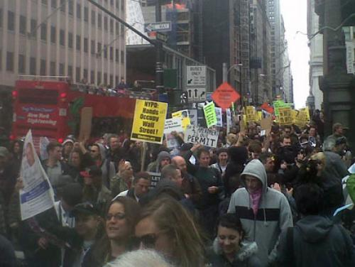 Occupy Wall Street March Across Brooklyn Bridge To Mark Arrests